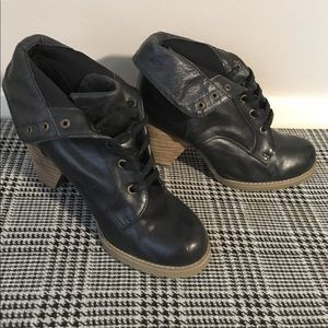 Women's Chelsea Crew Black leather ankle boot sz 6